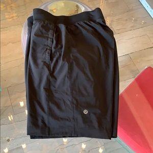 Lululemon shorts with pockets/Compression Lining